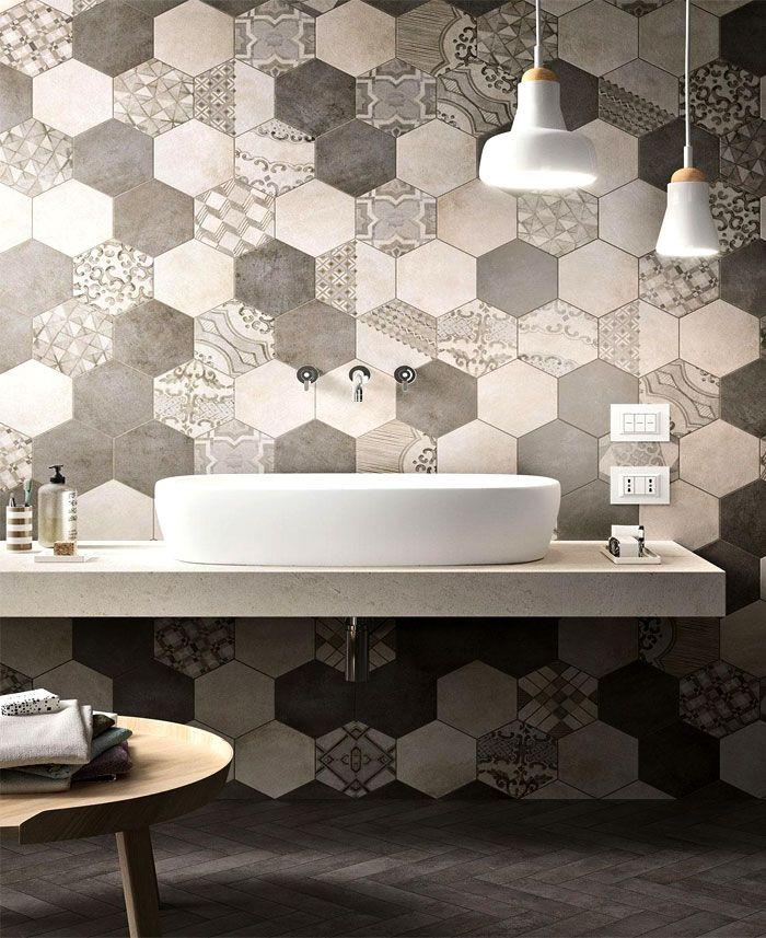 precioso cuarto de baño con azulejos modernos de forma hexagonal, decoración de baños de diseño, fotos de baños modernos