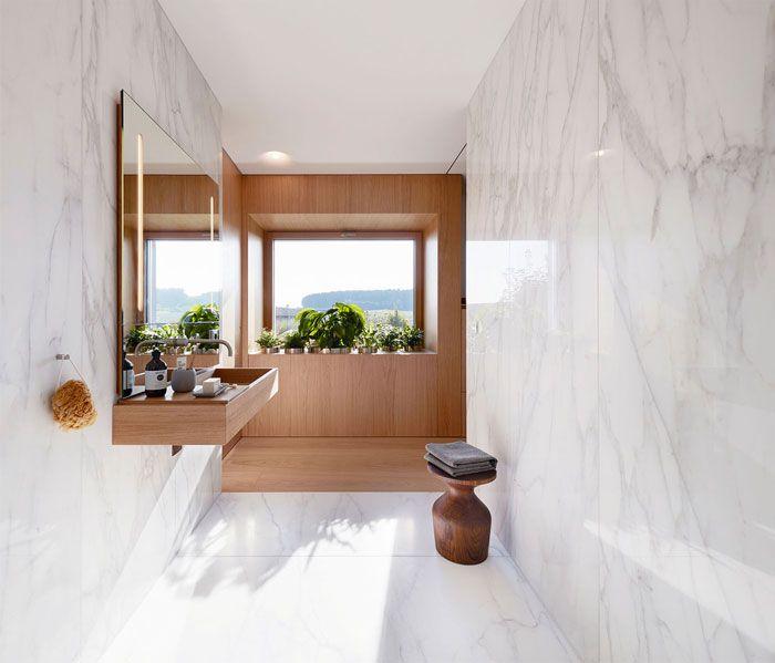 decoración de baño grande con paredes de mármol, azulejos de baños modernos, super originales diseños de baños