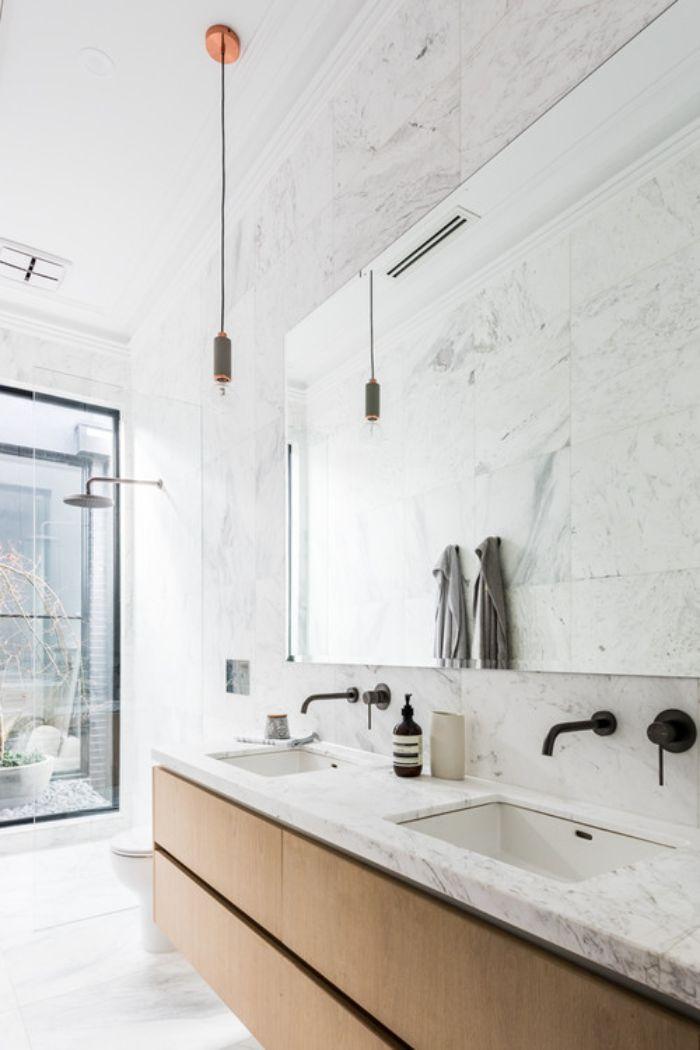 baños blancos decorados con mucho estilo, tendencias en cuartos de baño 2019, decoracion cuartos de baño originales