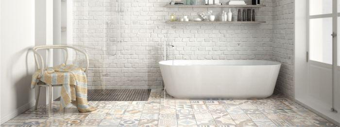 grandes baños decorados en estilo rústico moderno, decoración baño rústico color blanco con azulejos ornamentados