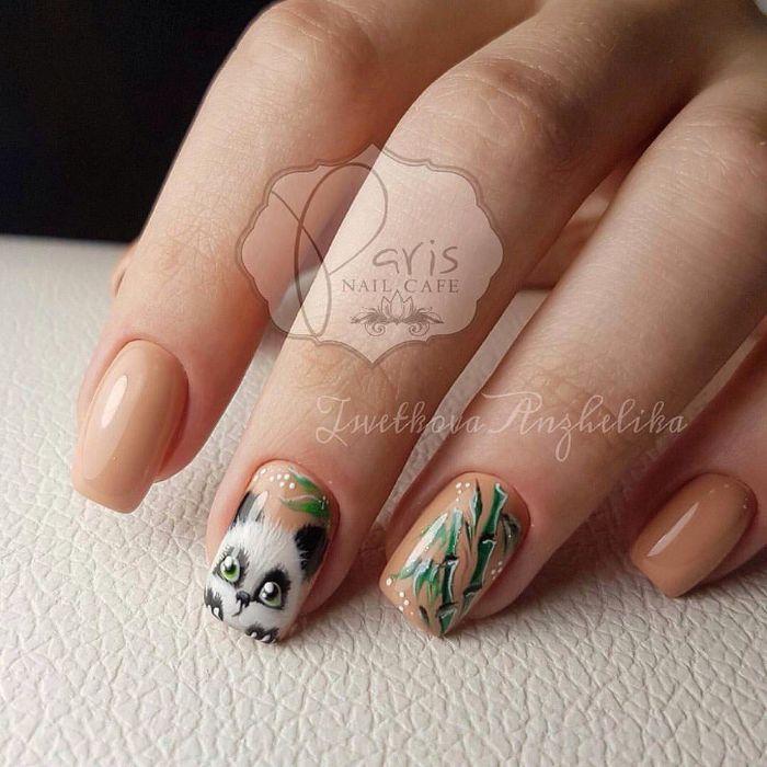 uñas largas pintadas en beige con dibujos originales, las mejores ideas de decoracion de uñas para el verano en fotos