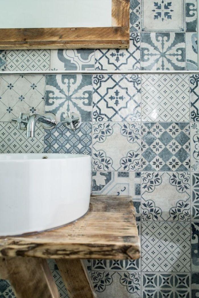 cuartos de baño rústicos con azulejos ornamentados, cuartos de baño pequeños, detalles para decorar un baño rustico