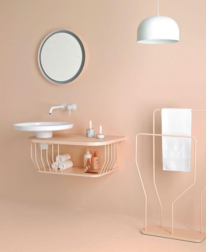 decoración de baños en colores modernos, cuartos de baño pequeños pintados en rosado, muebles modernos de diseño