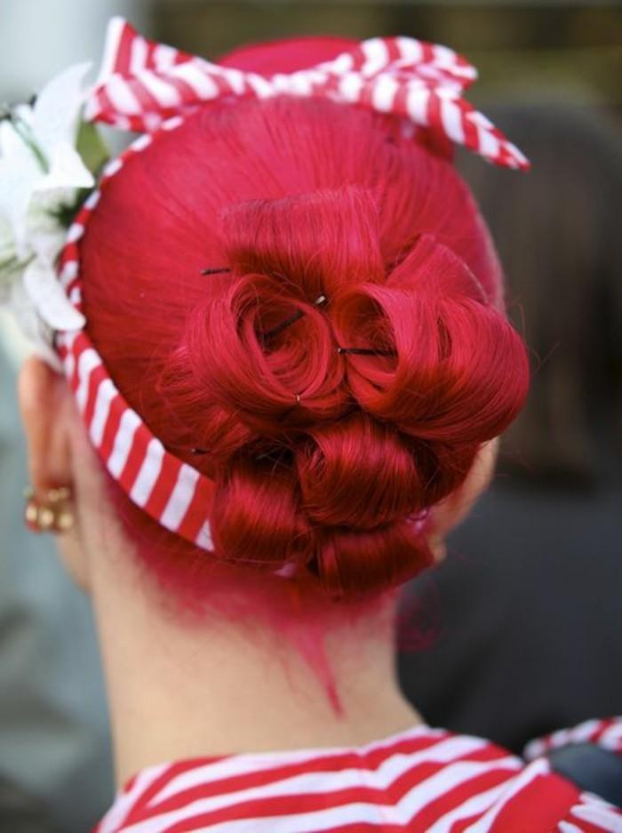 recogidos pin up originales, fotos de chicas pin up, maquillaje en estilo vintage, cinta retro en el cabello, look de los años 50