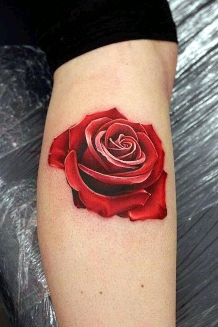 precioso tatuaje en el brazo, diseños de tatuajes simbolicos, tattoos con flores para mujeres, qué significan los tatuajes