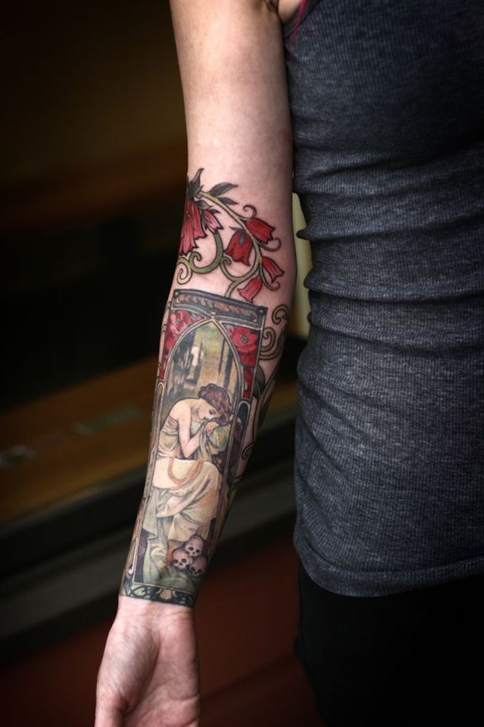 precioso dibujo tatuado en el antebrazo, diseños de tatuajes en colores, tatuajes para mujer en la espalda y en el brazo