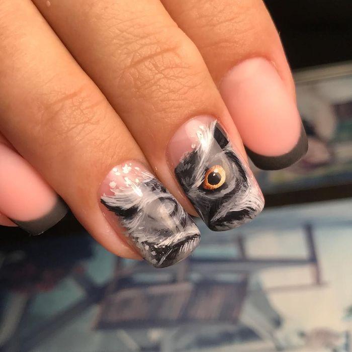 uñas francesas decoradas con bonitos dibujos y puntas en negro, diseños uñas largas que inspiran, uñas pintadas