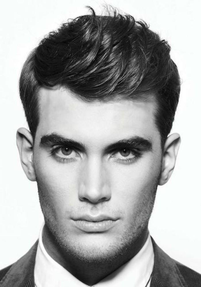 fotos de hombres con peinados grease, corte de pelo corto con flequillo más largo y cienes rapados, fotos de hombres retro
