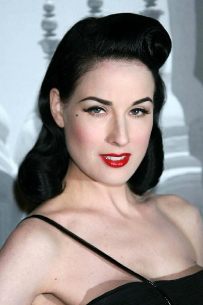 media melena color negro con ondas en el pelo, elegante vestido color negro, peinados grease en fotos, peinados para cócteles