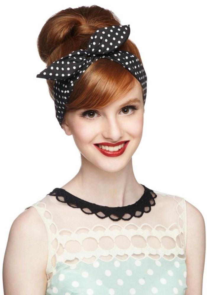 hermosas ideas de peinados pin up pelo largo, cuáles son los componentes básicos de un look vintage, recogido con pañuelo