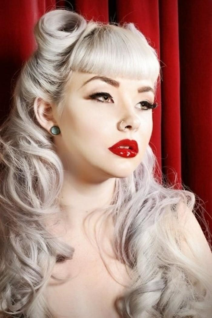 magníficas ideas de peinados pin up pelo largo, cabello en semirecogido original, peinados pelo largo clásicos en fotos