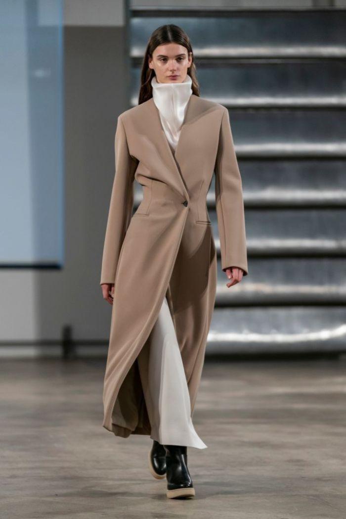 qué llevar para estar a la última este otoño, tendencias otoño 2019, precioso abrigo en color camel, color para llevar en otoño
