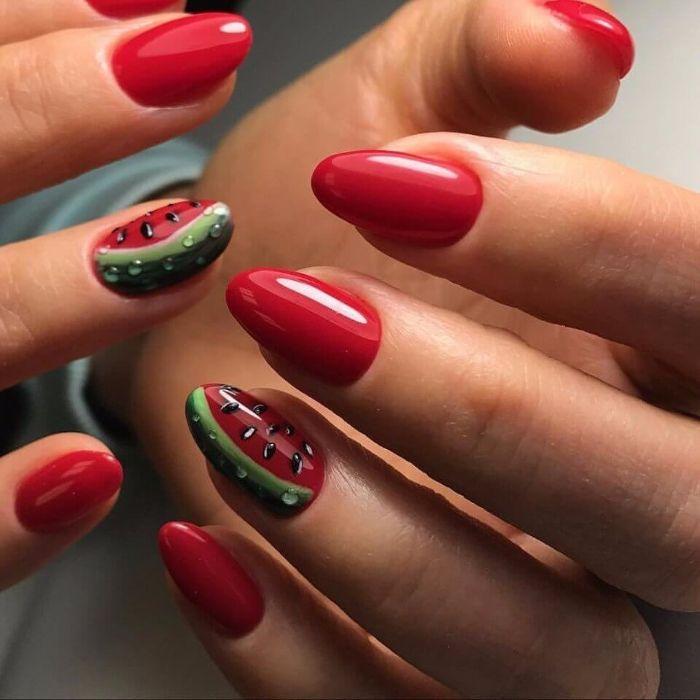 fotos de uñas pintadas en los colores de verano con bonitos dibujos, diseños uñas largas almendradas con dibujos