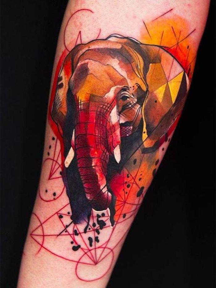 coloridos tatuajes en el antebrazo, diseños de tatuajes en acuarela, tatuajes pequeños para mujeres originales y bonitos