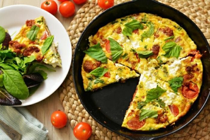 ideas de comidas rapidas y faciles, tortilas caseras con espinacas, ideas de comidas vegetarianas para hacer en verano