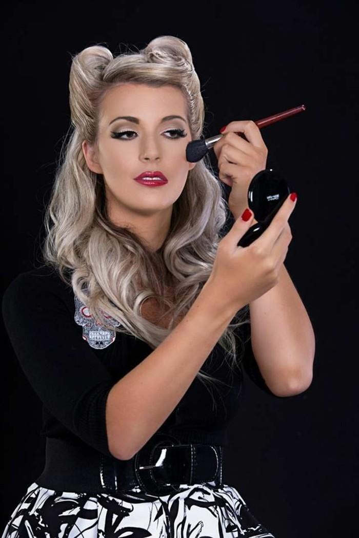 cabellera larga en un semirecogido original y bonito, fotos de peinados pin up pelo largo, imágenes de chicas pin up