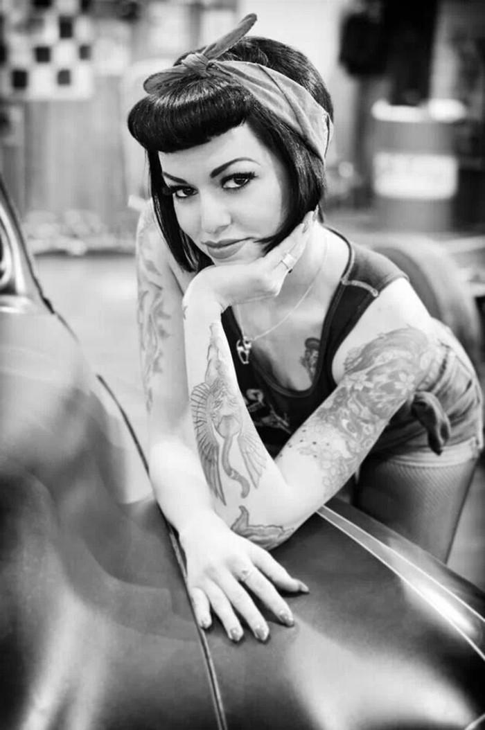 como conseguir un look en estilo vintage, flequillo pin up, más de 150 fotos de chicas pin up y peinados masculinos de época