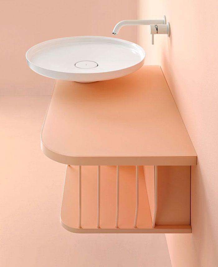 decoración de interiores en colores en tendencia, baños decorados en rosado, fotos de baños modernos con ducha