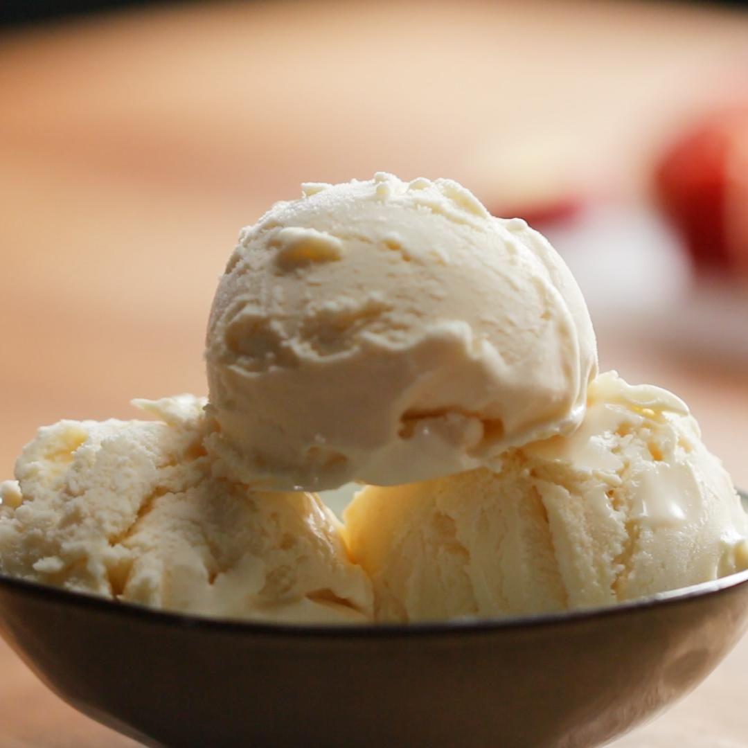 ideas de helados que no engordan, receta de helado hecho con mantequilla de cacahuetes, recetas de postres para el verano