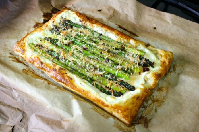 empanada con quesos y esparragos a la parrilla, recetas faciles y rapidas para comer, las mejores ideas para brunch