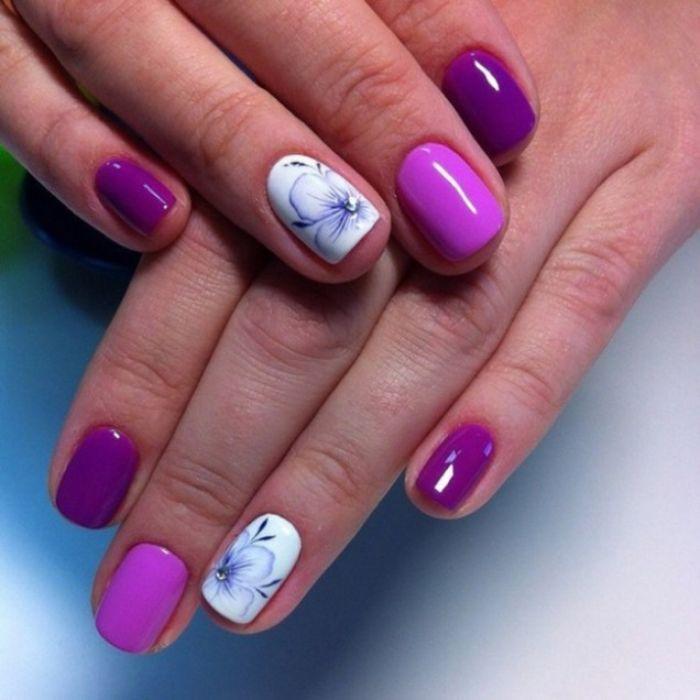 85 alucinantes ideas de uñas decoradas diseños actuales, modelos de uñas para la primavera y el verano, uñas en lila y blanco