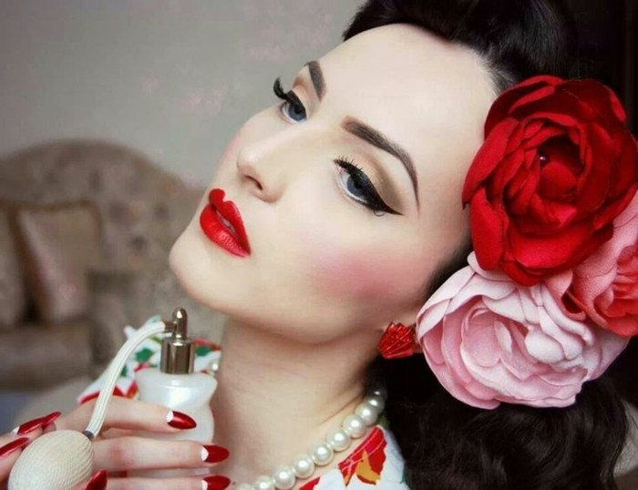 peinados retro con flores en el pelo, fotos de recogidos pin up con mucho estilo, galería de imagenes de chicas pin up