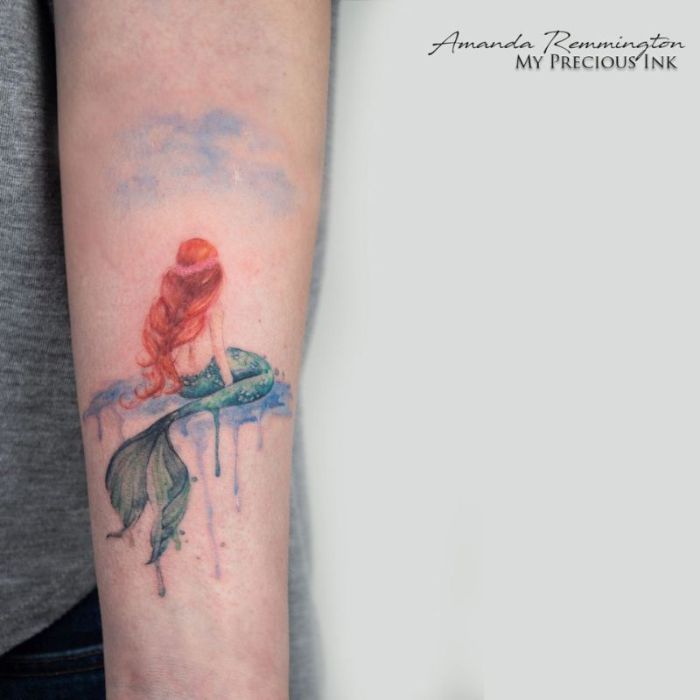 tendencias en tatuajes 2019, tatuajes en acuarela, diseños de tatuajes en el antebrazo, ideas de tattoos originales