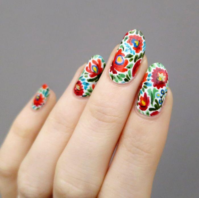 magníficas propuestas de dibujos coloridos en las uñas, diseños para el verano, dibujos de uñas de gel originales