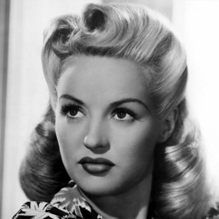 super bonitas imágenes de peinados retro para media melena y pelo largo, peinados con rizos en el pelo estilo vintage