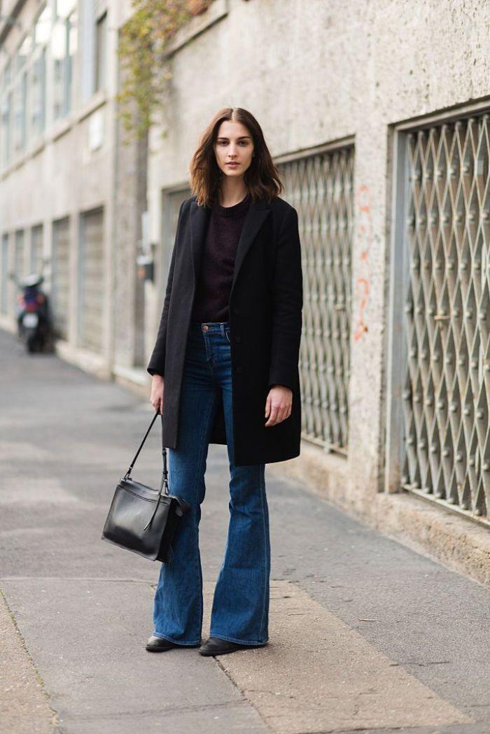 como combinar un abrigo negro con unas pantalones camapana, fotos de atuendos modernos para un outfit otoño
