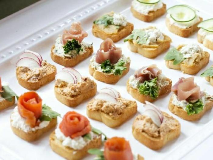 tostadas ricas con atún y salmón ahumado, más de 173 propuesta de recetas brunch paso a paso, bocados ricos