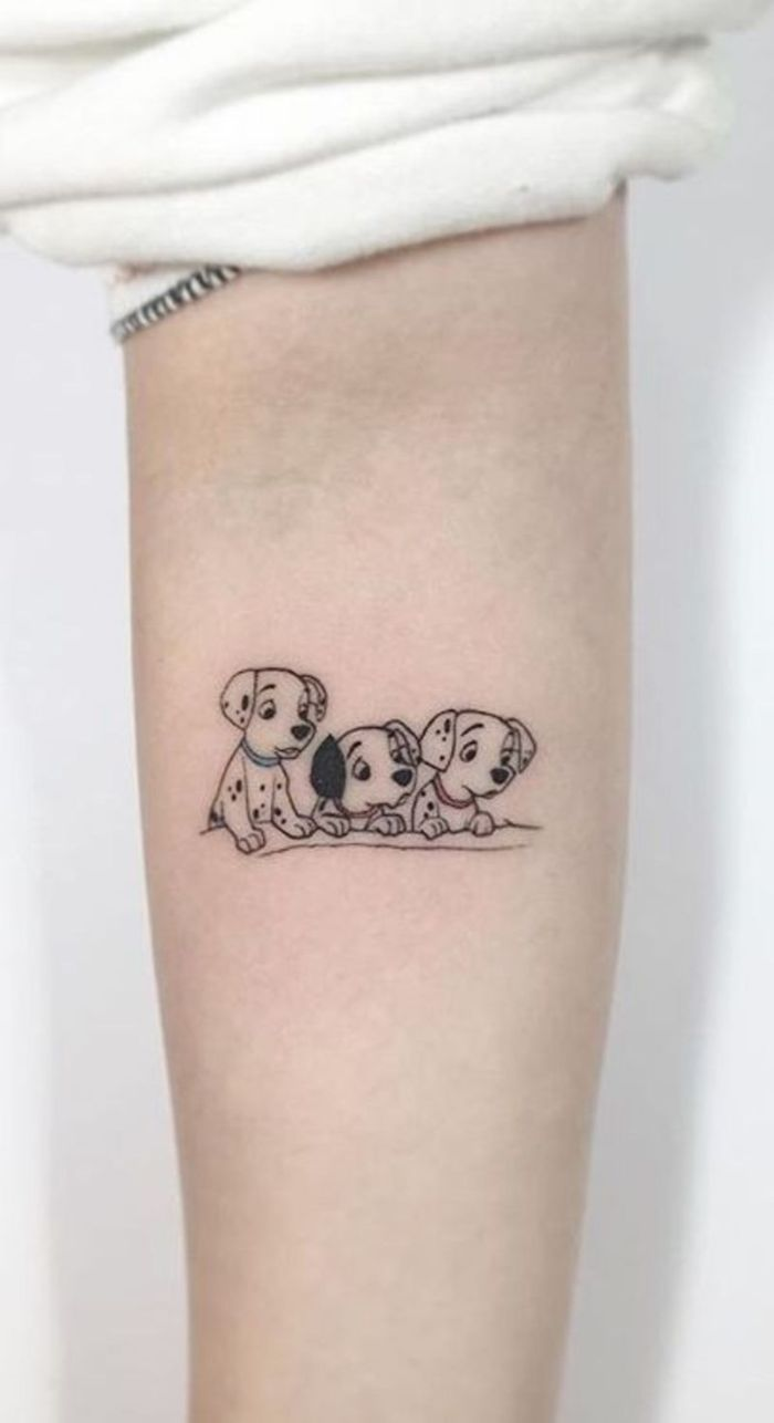 tatuajes antebrazo con los tres dalmatas, tatuajes con animales, ideas de tatuajes en el antebrazo, tattoos Disney originales