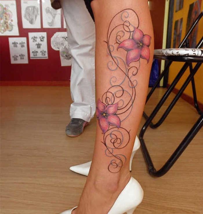 cómo escoger un tatuaje mujer con motivos florales, más de 150 propuestas de tatuajes mujer simbólicos con flores