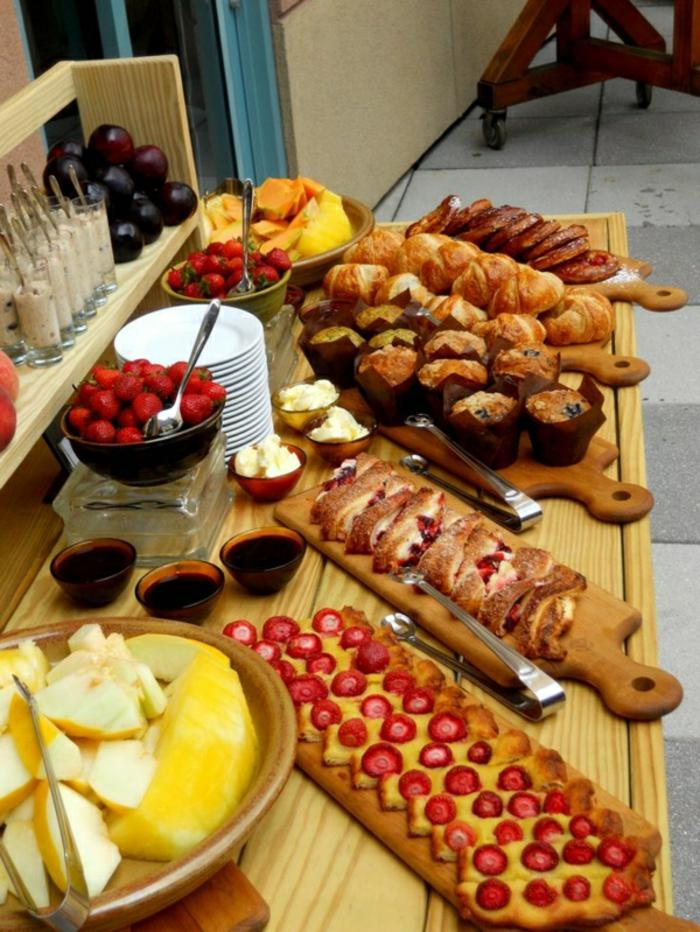 magdalenas, tostadas y pasteles ricos para un desayuno tarde en sabado, ricas propuestas y recetas paso a paso