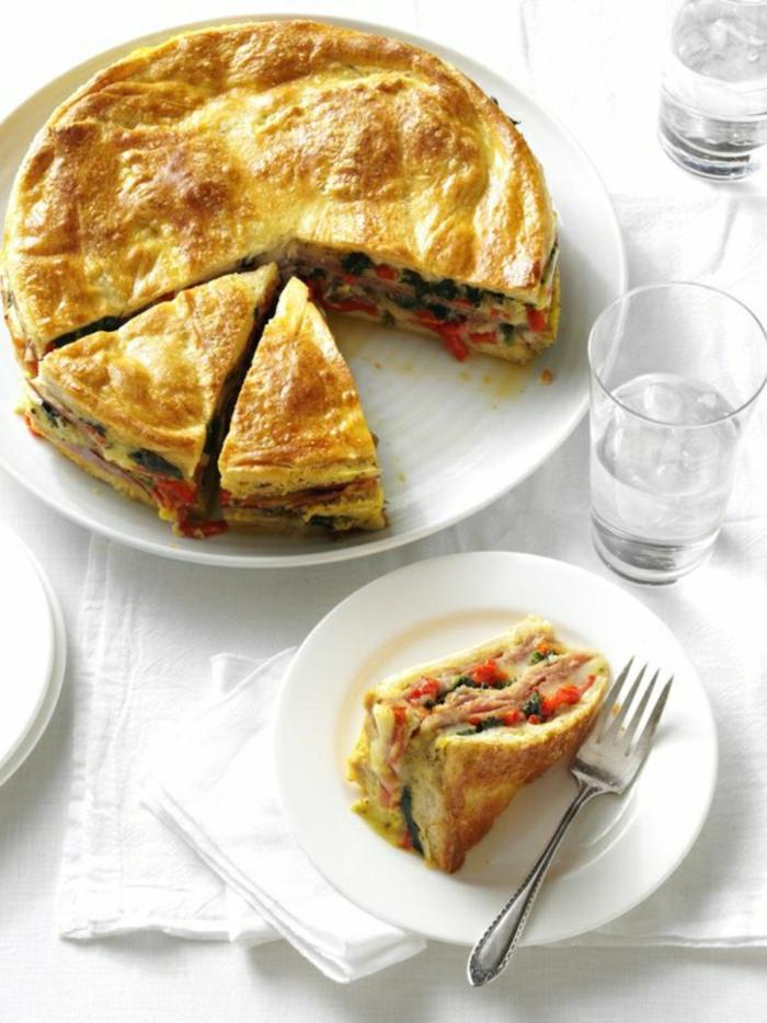 tarta salada con quesos, vegetales y lonchas de jamón, excelentes ideas sobre qué comer hoy, menu original paso a paso