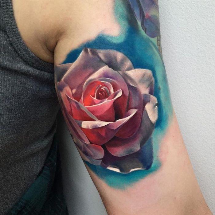 tatuaje rosa en el brazo en bonitos colores, diseños de tatuajes en acuarela, tatuajes brazo mujer con rosas, diseños de tattoos