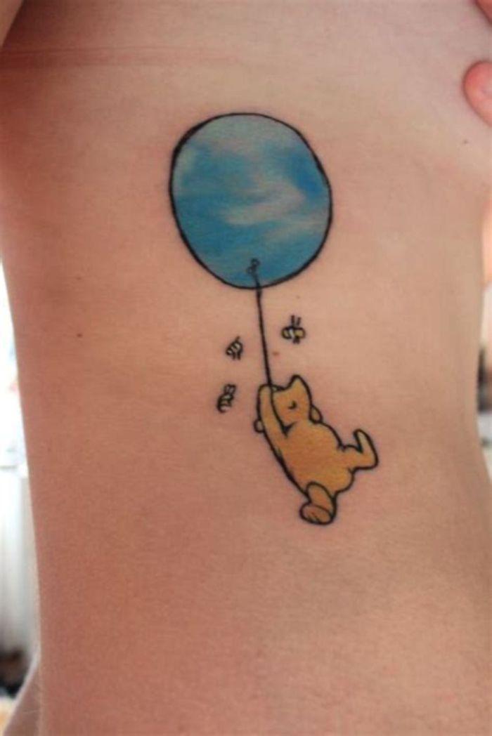 los ejemplos más encantadores de tattoos Disney que nos trasladan a la infancia, diseños de tatuajes pequeños en las costillas