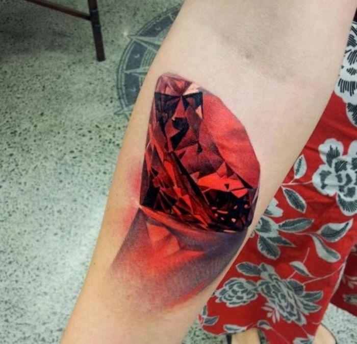tatuaje diamante en colores, diseños de tatuajes acuarela, cómo escoger un diseño para tatuaje mujer, galería de imagenes