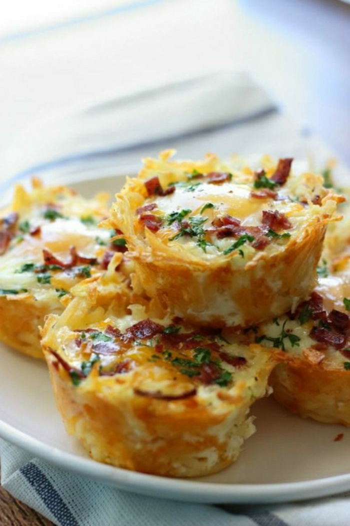 magdalenas con quesos carne verduras, ideas de platos ricos para comer en verano, magdalenas saldas originales