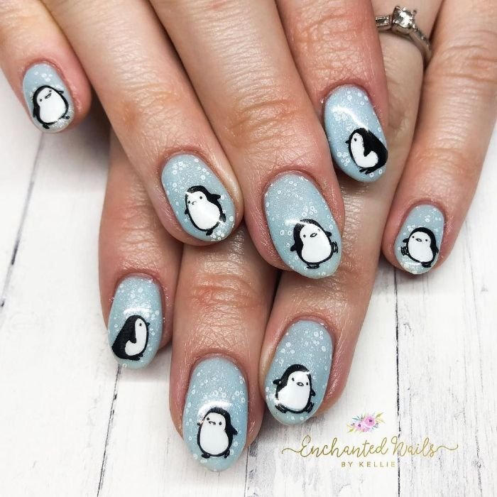 las mejores propuestas de dibujos para uñas, uñas largas almendradas con dibujos de pinguinos, modelos de uñas originales