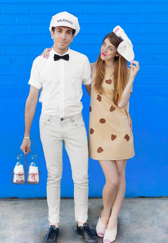 disfraces en pareja divertidos y f'aciles de hacer, Disfraz de leche y galleta, vestido decorado con trozos de fieltro