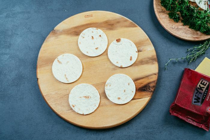 como hacer mini tacos de manera fácil en casa, ideas de aperitivos para una cena con amgios, tacos mexicanos originales ideas