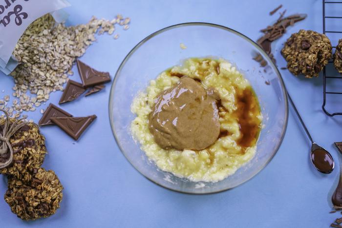 excelentes ideas de galletas de avena saludables, como hacer una versión saludables de las galletas blancas americanas clásicas