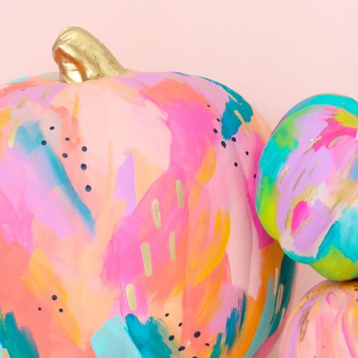 magníficas ideas de calabazas decoradas en colores, decoracion halloween original, más de 90 ideas DIY en fotos