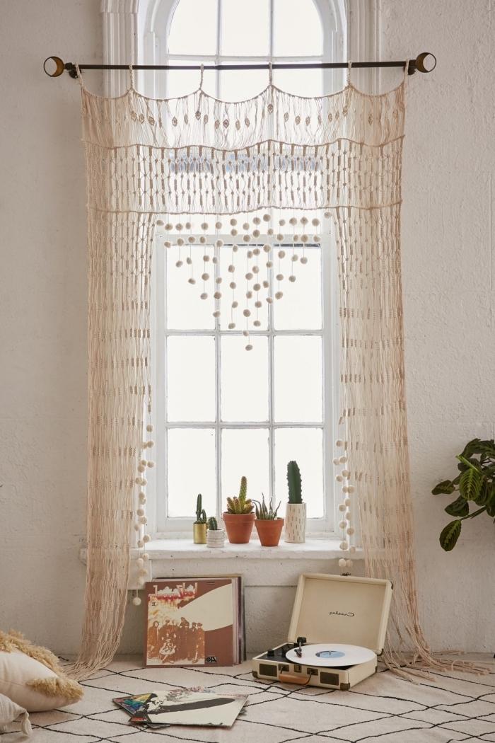 cortinas de macrame bonitas en hermosas fotos, decoracion casa con objetos macrame hechos a mano, salón decorado en estilo boho