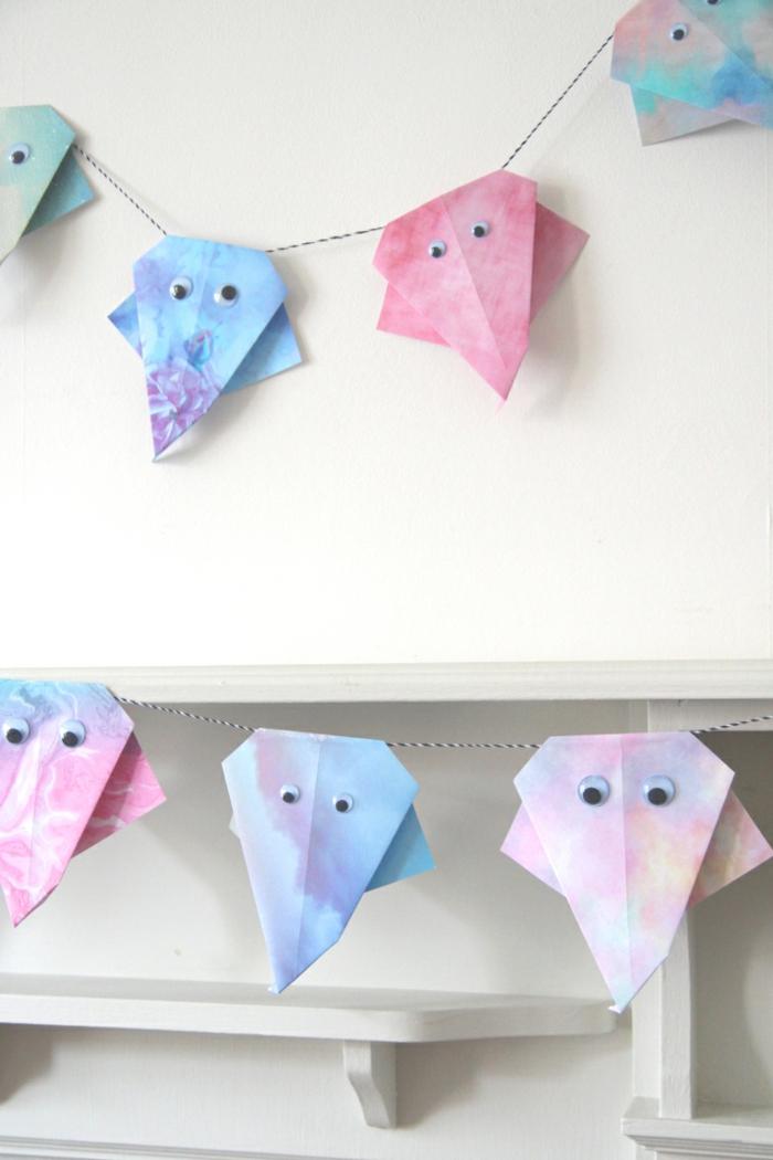 decoración de paredes de papel, manualidades para halloween originales, manualidades de papel para decorar el hogar