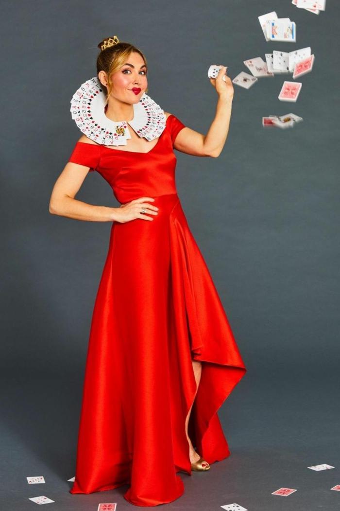 la reina de los corazones, fotos de disfraces fáciles de hacer en casa, ideas de disfraces originales mujer en imágenes