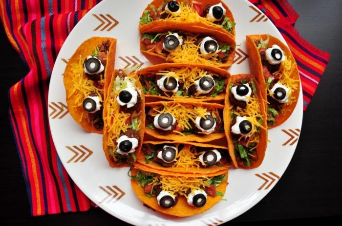 tacos ricos y fáciles de hacer para sorprender a tus invitados en una cena de Halloween, divertidas ideas de aperitivos halloween