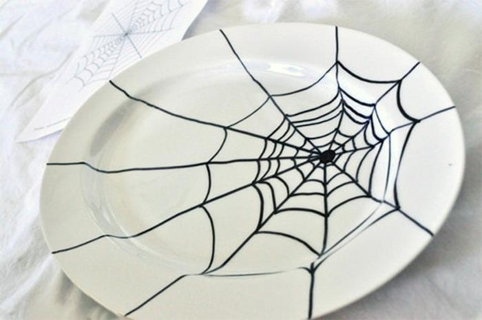 ideas decorativas para una fiesta de Halloween en casa, decoracion puertas halloween, decoración red de araña