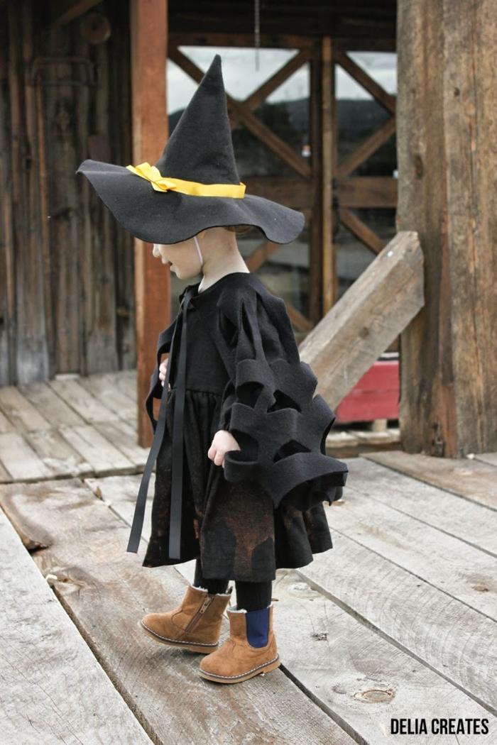 ideas de disfraces para niños pequeños, disfraz murciélago hecho de fieltro, fotos de disfraces Halloween para pequeños y adultos, Halloween ideas niños